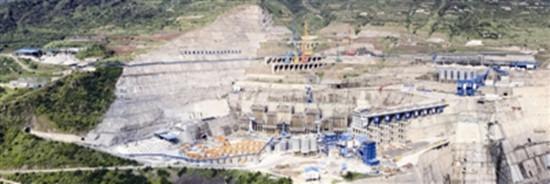 """白鹤滩水电站大坝浇筑""""供料""""破90万立方米"""