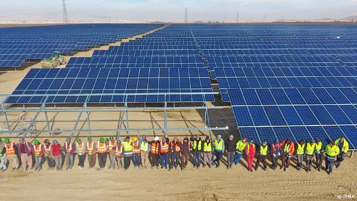 在伊朗建造太阳能发电站