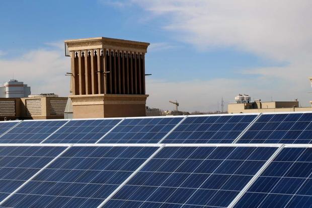 外国人在亚兹德生产70兆瓦的阳光电力