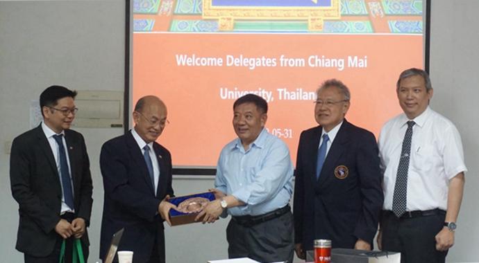 泰国清迈大学代表团访问上海交大农生学院生物质能工程研究中心
