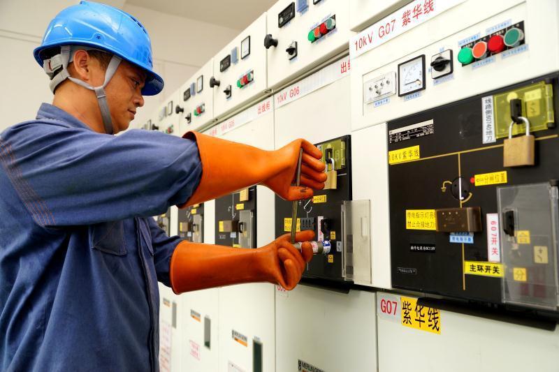 2018年电力可靠性指标发布会:10万千瓦及以上容量常规燃煤机组非计划停运总时间为95925.6小时