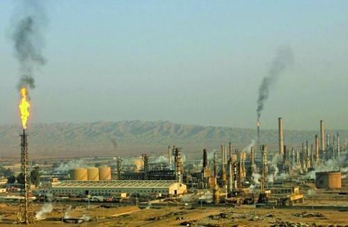 伊朗在炼油厂使用基尔库克石油