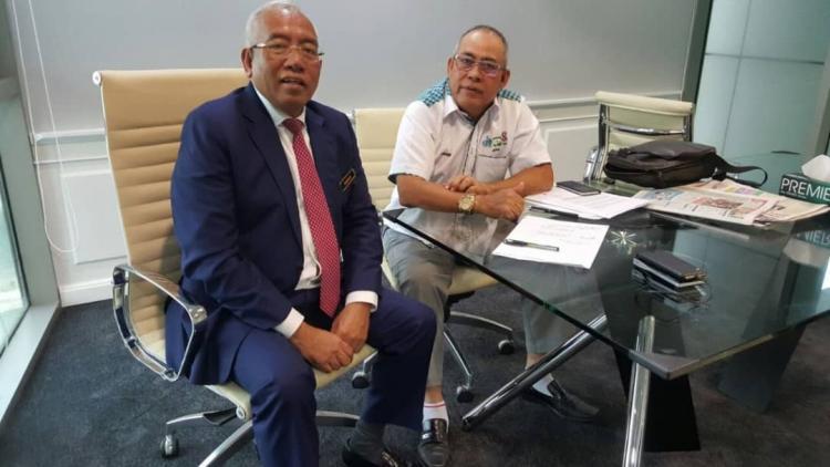 Najib在沙捞越学校的'Scam'太阳能项目上签下数百万美元