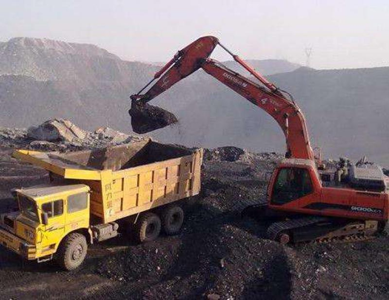 内蒙古煤矿总产能13.3亿吨/年 年内可新增产能1.1亿吨