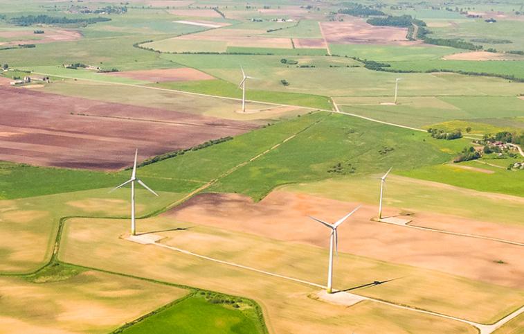 4月份风力发电厂的产量增长了三分之一