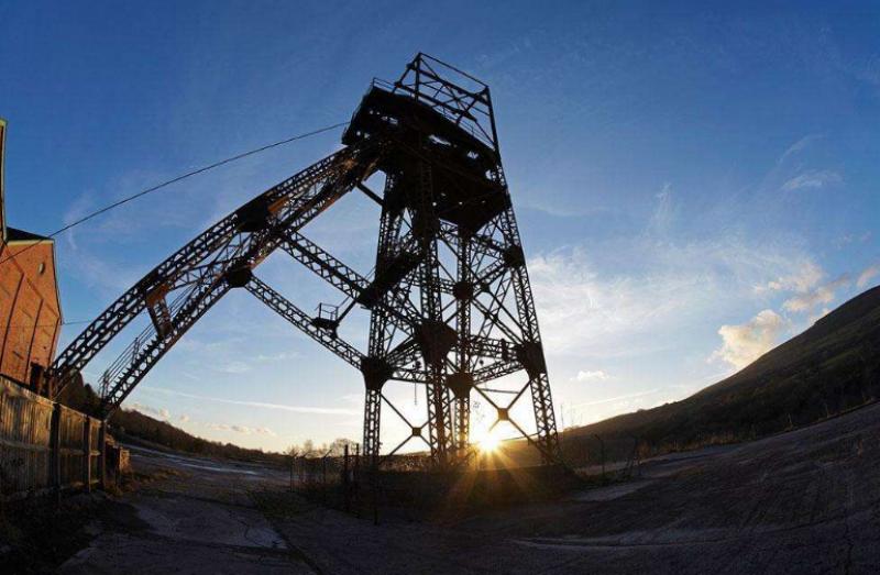 黄玉治主持召开专题会议研究煤矿采掘失调问题