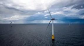 Equinor安装世界上第一个海上风电池