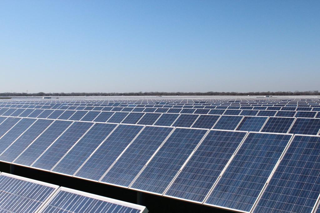 在德克萨斯州西部,巨型电池可以使可再生能源更加可行