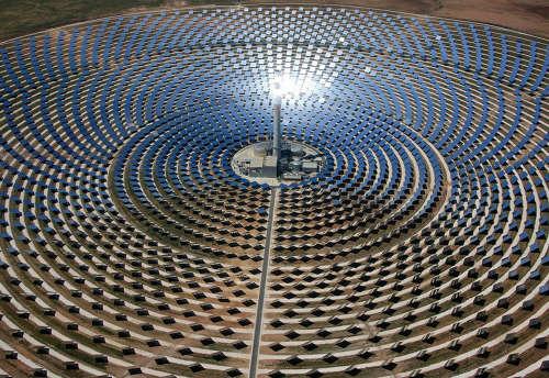中国太阳能公司在阿联酋市场首次亮相