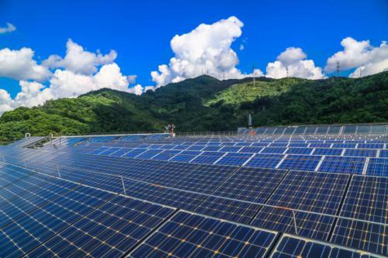 二连浩特7月光伏发电量2022.72万千瓦时,同比下降6.2%