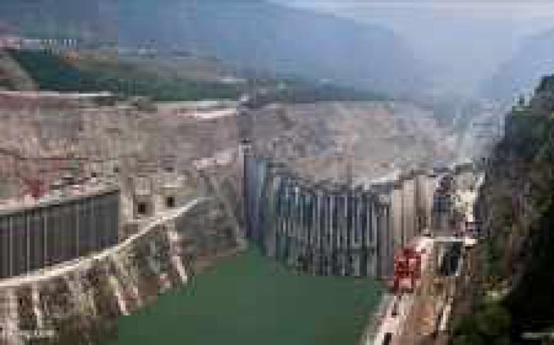 长江四座梯级电站单月发电量创新高