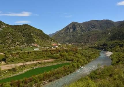 欧洲经委会呼吁阿尔巴尼亚解决垃圾场问题,其超越水电