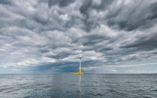 法国第一台漂浮式海上风力发电机上线