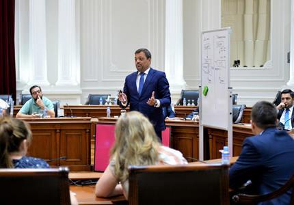 马其顿邀请竞标该国通用电力供应商
