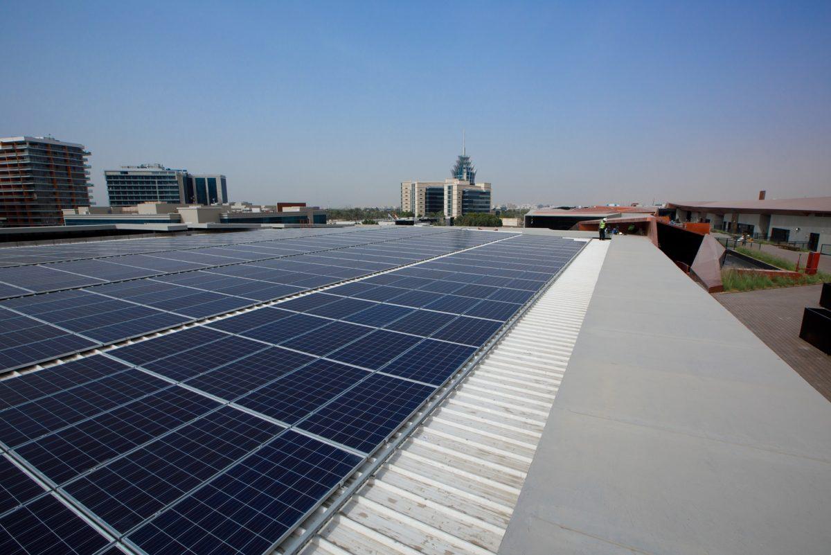 根据DEWA的Shams Dubai计划,SirajPower开发了50兆瓦